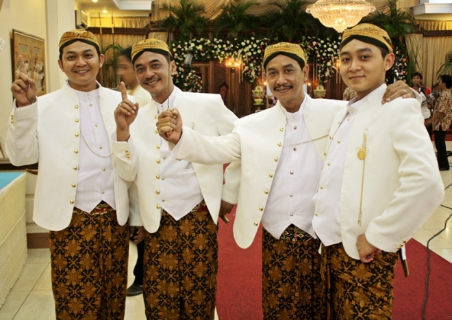 - Javanese gentlemen costume for official events -